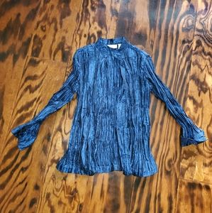 Chico's size 0 Blue open front Shirt